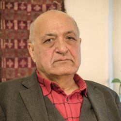 محمود آموزگار